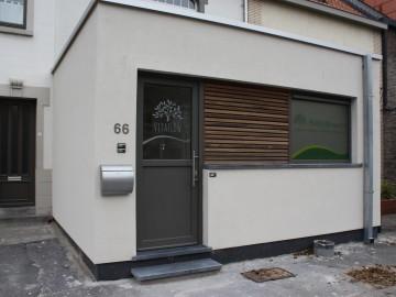 Uitbouw voor wachtzaal kinepraktijk in Koksijde